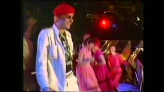 YouTube video E-card Captain Sensible Happy Talk Top Of The Pops 1982 Xmas