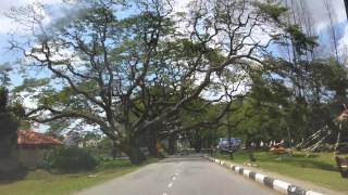 preview picture of video 'Driving around Taiping Lake Garden 2013 (4k video)'