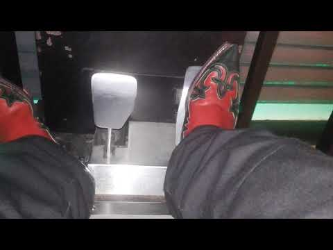 Arcade Pedal Pumping In Cowboy Boots Red Green 2