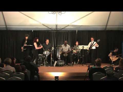 Ishtar plays Hicaz Oyun Havasi (soundcheck)