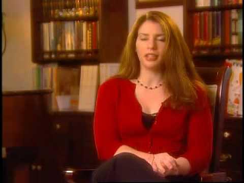 Stephenie Meyer fala sobre Crep�sculo, Lua Nova e Eclipse (Ingl�s)