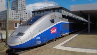 preview picture of video 'German High Speed Trains at Mannheim Main Station (14.08.2014)'