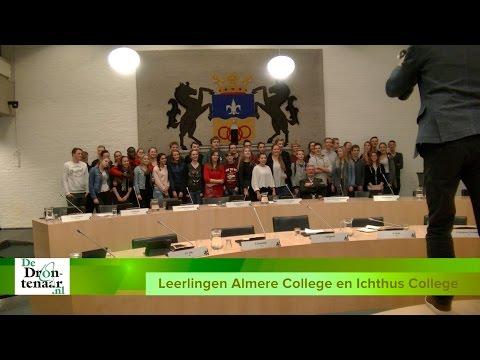 VIDEO | Leerlingen Almere College en Ichthus College bij gemeenteraadsvergadering