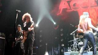 Turn Me On (live in Moscow) - Accept