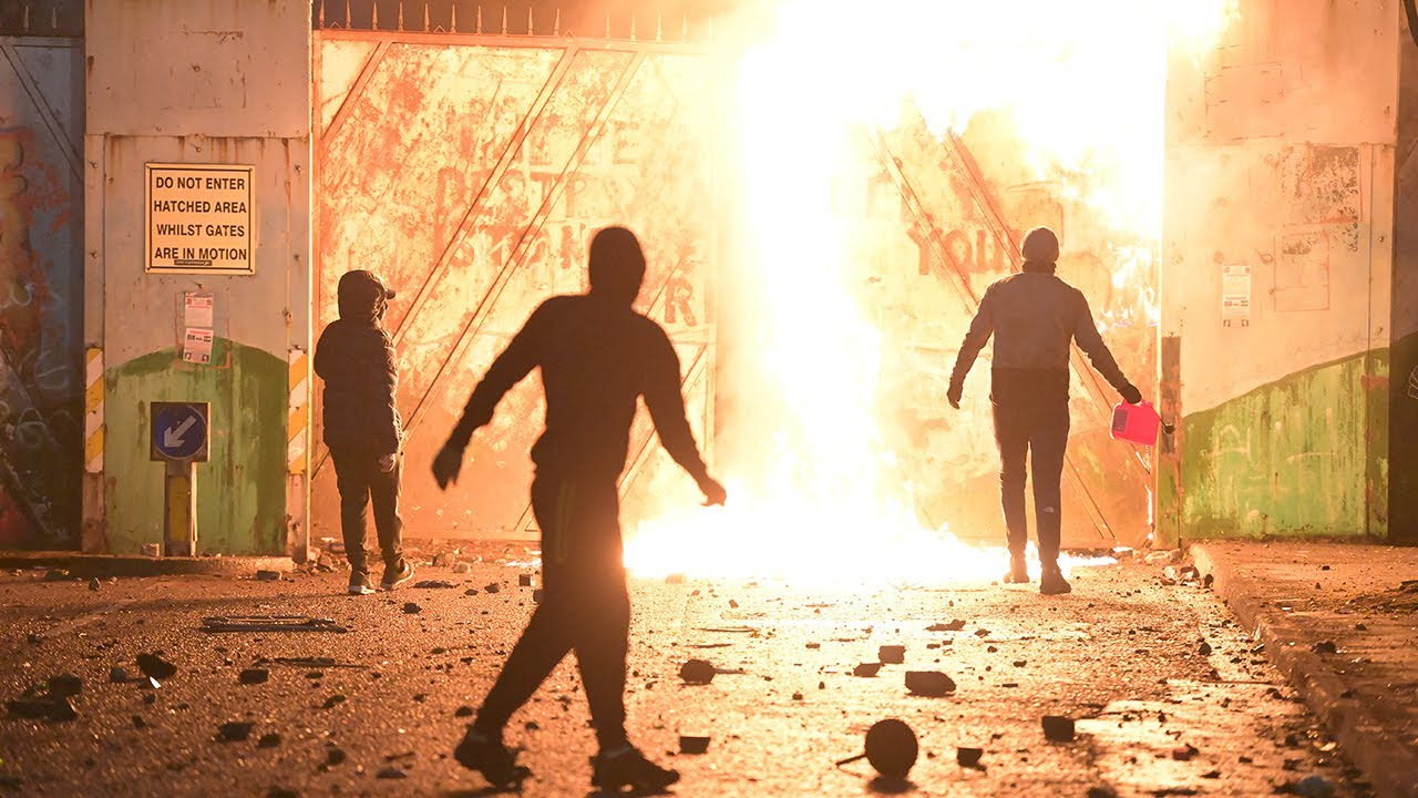 Northern Ireland: Why is there violence in Belfast?
