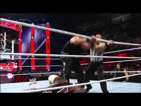 Seth Rollins Responds to CM Punk Chants