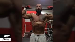 تحدي العضلات عند اللياقة البدنية