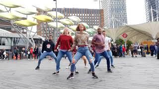 Amazing Westfield Stratford Flash Mob!