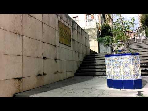 El riesgo de las escaleras y muro del Centro Polivalente la Baragaña de Candás