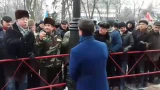 Шкиряк ругается с митингующими возле Верховной Рады