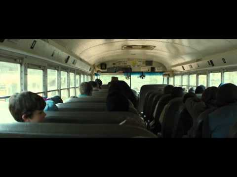 The 5th Wave (Clip 'Cassie Misses the Bus')