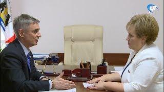 Елена Писарева провела рабочую встречу с членом Совета Федерации от Новгородской областной Думы Сергеем Фабричным
