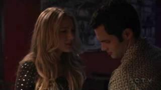 Moment entre Serena et Dan au billard (VO)