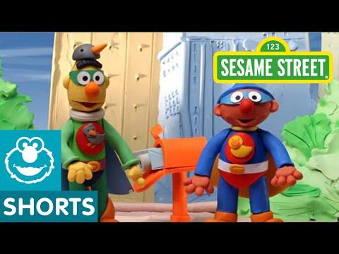 Sesame Street: Bert and Ernie are Superheroes (Bert and Ernie's Great Adventures)