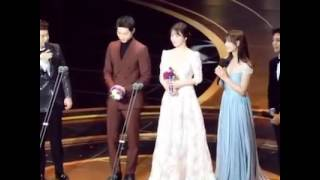 [Fancam] Song Song couple on stage Daesang and after KBS Drama Award 161231
