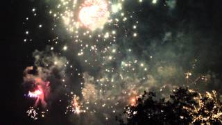 preview picture of video 'Bexleyheath Danson Park Fireworks 2012 Part 3 Full HD Grand Finale'