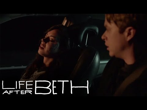 Life After Beth Clip 'Smooth Jazz'