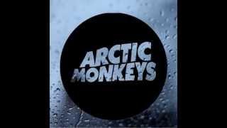 Arctic Monkeys - I Wanna Be Yours [+Rain]