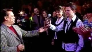 Juan Gabriel presenta a Jas Devael en México Arena Monterrey