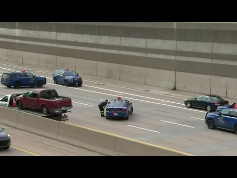 Tow truck shot in case of road rage on I-696 near Coolidge