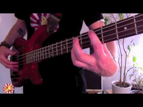 A Groovy little thing! (intermediate - Bass chords)