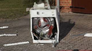 Die besten 100 Videos Waschmaschine vs. Betonstein