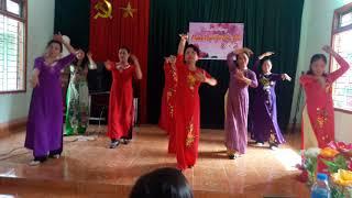 preview picture of video 'Chi hội phụ nữ tổ 10B ĐX Bắc Kạn 8/3/2019'