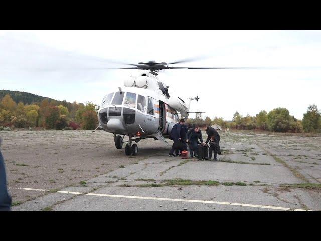 Вертолётом доставили в Иркутск