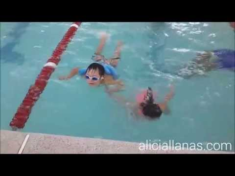 Watch video Natación son niños con síndrome de Down
