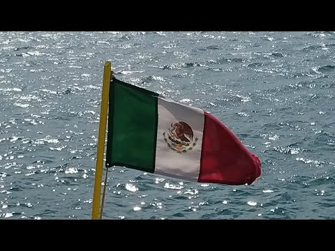 Vlog: Tacos in Mexico & Crazy boat ride to Isla Mujeres