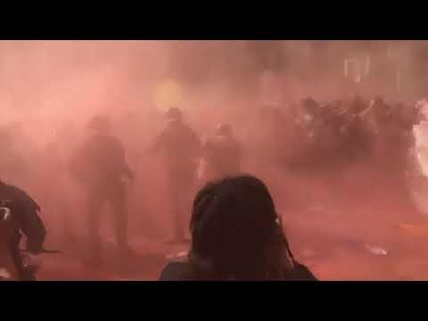 Naštvaní Katalánci při protestech zmlátili španělské policisty: zraněno 32 těžkooděnců