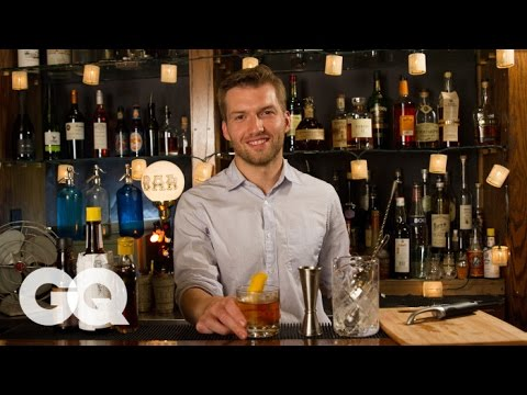 Video How to Make an Old-Fashioned with a Twist for Thanksgiving - GQ Cocktails