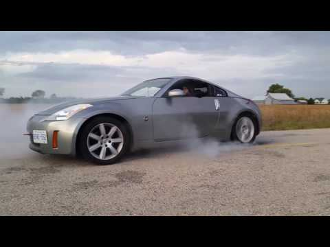 Nissan 350Z Burnout