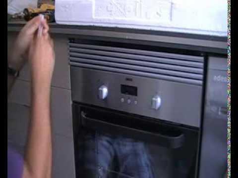 Poner una rejilla de ventilación para el horno.