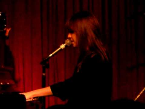 Laura Jansen Perfect Live @ Hotel Cafe 020810.MP4