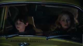 Henry supplie Emma de rester en ville VO