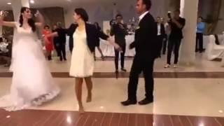 Çerkez Düğününde Muhteşem Oynayan Kız