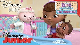 Η Μικρή Γιατρός | Το Μπάνιο του Μωρού | Doc McStuffins