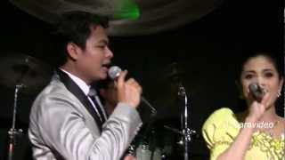 "Yun Sopheap & Chhoun Sovanchai sing Cambodian ""Rien Ram Cha Cha Cha"""