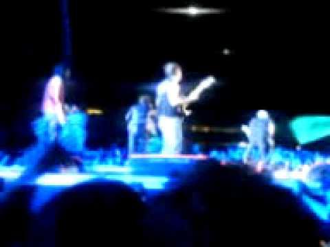 Los piojos - Buenos dias palomar (quilmes rock 2009)