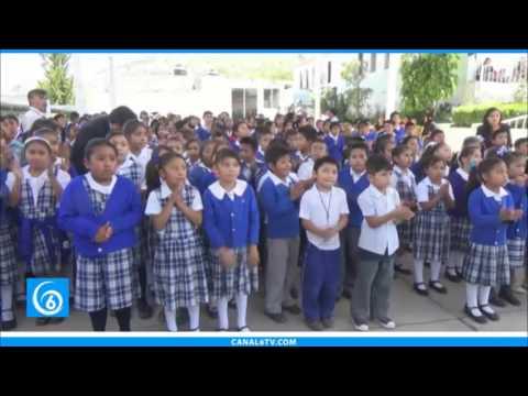 Entregaron equipos de cómputo a primarias del municipio de Chimalhuacán