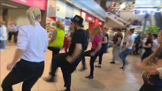 Zumba Fitness Flashmob in Aeroport Otopeni