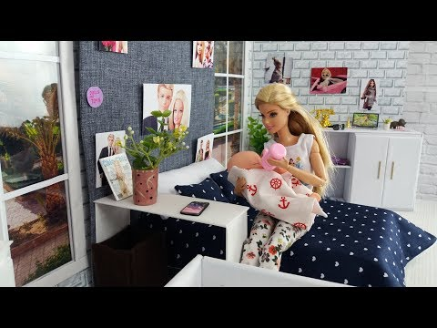 Barbie and cute baby morning bedroom and bathroom routine.