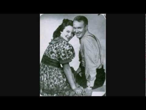Lulu Belle and Scotty - Remember Me (When The Candlelights Are Gleaming) - (ORIGINAL) -  (1940).