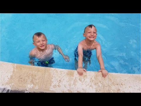 Six-year-old twin brothers save toddler from drowning