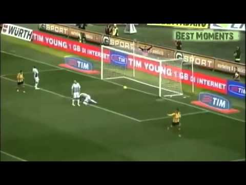 Messi, Ronaldo, Ibrahimovic nổ đom đóm khi xem bàn thắng này