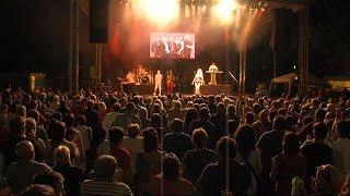 A Saragossa Band adott koncertet