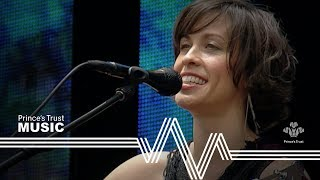 """Video thumbnail of """"Alanis Morissette - Head Over Feet - Unplugged (The Prince's Trust Party In The Park 2004)"""""""