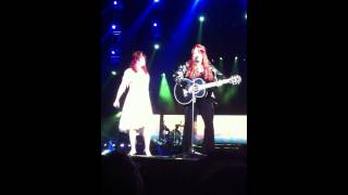 The Judds -- Cry Myself To Sleep LIVE