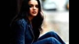 Norah Jones Cold Cold Heart 0001